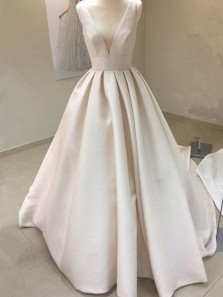 Vintage Ball Gown V Neck Champagne Satin Wedding Dresses with Pocket, Pleats Wedding Gowns