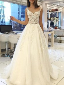 Charming Ball Gown Sweetheart Applique Ivory Long Wedding Dresses with Train