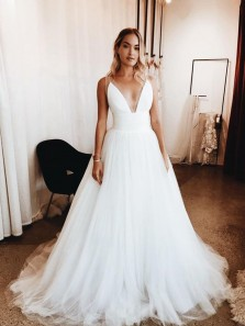 Fairy Ball Gown V Neck Backless White Wedding Dresses with Train WD0724003