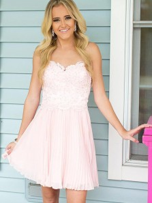 A Line Sweetheart Lace Pink Short Homecoming Dresses with Appliques, Formal Prom Dresses