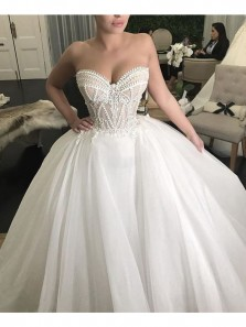 Luxurious Ball Gown Sweetheart Ivory Tulle Wedding Dresses with Lace Applique WD0727001