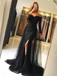 Charming Mermaid Off the Shoulder Long Sleeves Black Lace Long Prom Dresses with Train
