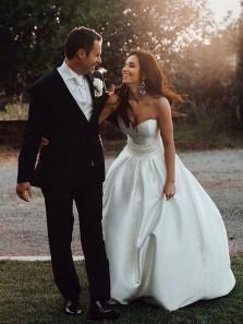 Gorgeous Ball Gown Sweetheart White Satin Wedding Dresses with Train