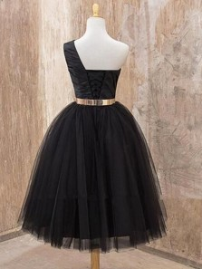 Cute A Line One Shoulder Black Tulle Short Homecoming Dresses with Metal Belt, Formal Short Prom Dresses