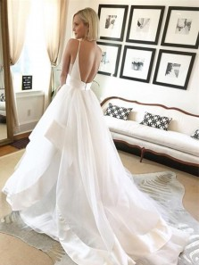 Gorgeous Ball Gown V Neck Spaghetti Straps Backless White Long Wedding Dresses with Train