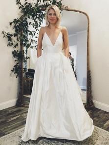 Vintage Ball Gown V Neck Spaghetti Straps White Satin Long Wedding Dresses With Pockets