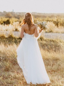 Fairy A Line Sweetheart Open Back White Lace Long Wedding Dresses