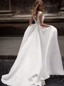 Vintage Ball Gown Princess Ivory Satin Long Wedding Dresses with Pockets WD1007001