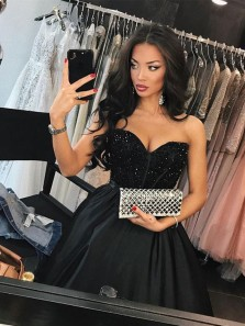 Grogeous Ball Gown Sweetheart Backless Beaded Black Long Prom Dresses with Train, Vintage Evening Dresses