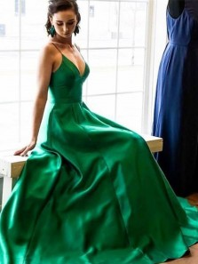 Vintage Ball Gown V Neck Spaghetti Straps Green Satin Long Prom Dresses with Pockets, Elegant Evening Party Dresses