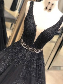 Gorgeous Ball Gown V Neck Open Back Black Lace Long Prom Dresses with Beading, Elegant Formal Evening Dresses