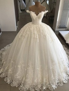 Ball Gown Off the Shoulder V Neck Ivory Lace Wedding Dresses, 2019 Luxurious Wedding Dresses