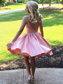 Sparkly Satin Bateau Neckline A-line Homecoming Dresses With Beadings