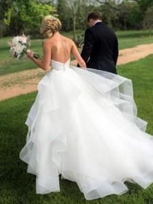 Ball Gown Sweetheart Irregular Organza & Ruffled Wedding Dresses