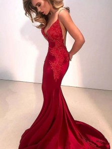 Charming Mermaid V Neck Spaghetti Straps Lace Red Prom Dresses with Train, Evening Party Dresses