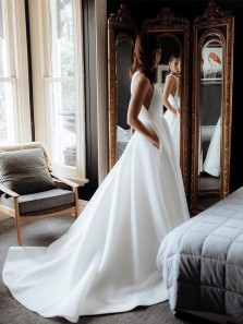 Elegant Ball Gown Round Neck Organza Satin Long Wedding Dresses with Pockets, Simple Wedding Gown