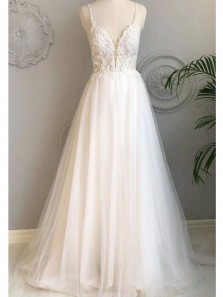 Ball Gown V Neck Spaghetti Straps Ivory Tulle Long Wedding Dresses with Appliques