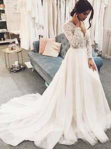 Vintage Ball Gown V Neck Long Sleeves Lace Wedding Dresses with Train
