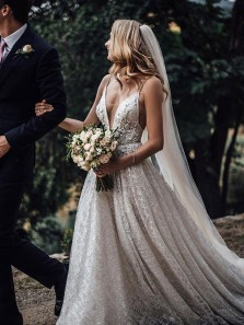 Ball Gown V Neck Spaghetti Straps Open Back Sparkly Sequins Long Wedding Dresses with Train