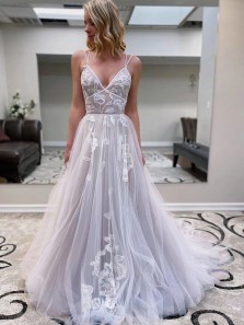 Fairy Ball Gown V Neck Spaghetti Straps White Tulle Wedding Dresses with Appliques