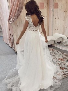 Charming A Line V Neck Cap Sleeves Tulle Wedding Dresses with Appliques