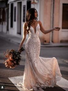 Romantic Mermaid V Neck Straps Lace Wedding Dress for Bride