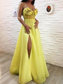 Gorgeous A Line Sweetheart Daffodil Tulle Split Prom Dresses with Appliques