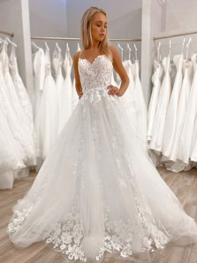 Charimng Sweetheart Spaghetti Straps White Wedding Dresses with Appliques