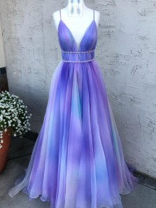 Charming Ball Gown V Neck Spaghetti Straps Lavender Tulle Prom Dresses with Beading