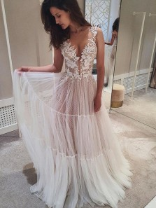 Charming Fairy A Line V Neck Tulle Lace Wedding Dresses with Appliques