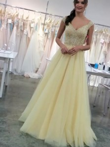 Charming A Line V Neck Cap Sleeves Daffodil Tulle Prom Dresses with Beading