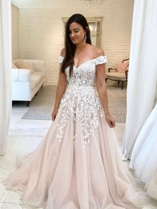 Gorgeous Ball Gown Off the Shoulder Light Champagne Tulle Wedding Dresses with Beaded Lace