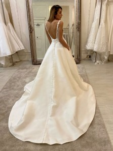 Gorgeous Ball Gown Vintage Lace V Neck Long Wedding Dresses with Pockets