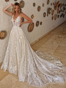 Gorgeous Ball Gown V Neck Open Back Sparkly Lace Wedding Dresses with Appliques