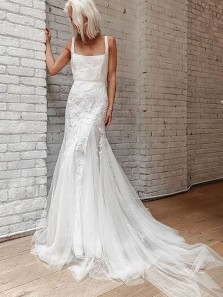 Modern Sheath Square Neck White Tulle Wedding Dresses with Appliques