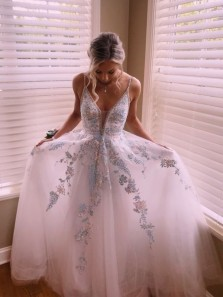 Cute Fashion A Line V Neck Open Back Light Teal Tulle Prom Dresses with Appliques