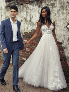 Gorgeous Ball Gown V Neck Straps Tulle Appliques Wedding Dresses