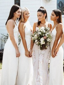 2020 Fashion V Neck Spaghetti Straps White Chiffon Bridesmaid Dresses with Split