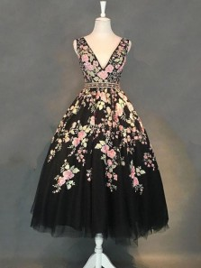 Cute A Line V Neck Black Tulle Prom Dresses with Appliques, Party Dresses