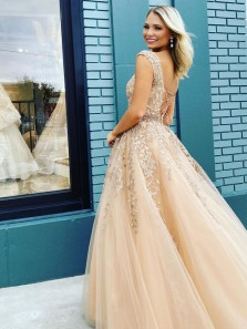 Gorgeous Ball Gown Bateau Neck Cap Sleeves Champagne Prom Dresses with Beading