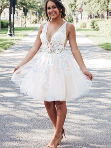 Charming A Line V Neck Open Back Light Champagne Tulle Homecoming Dresses with Appliques