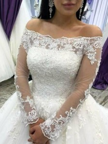 Luxurious Ball Gown Off the Shoulder Long Sleeves Wedding Dresses with Appliques,
