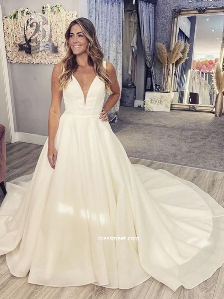 Elegant Ball Gown Deep V Neck Open Back White Organza Wedding Dresses, Retro Bridal Dress