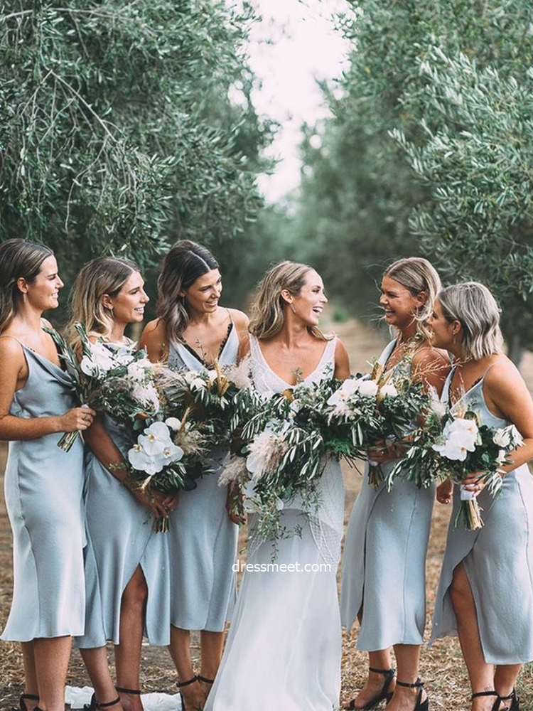 Elegant Sheath V Neck Smoke Blue Split Bridesmaid Dresses with Black Lace