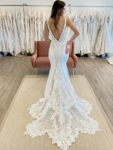 Luxurious Mermaid V Neck Lace Wedding Dresses with Appliques