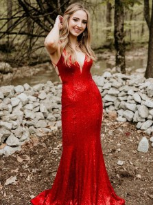 Charming Mermaid V Neck Red Sequins Prom Dresses with Cross Back