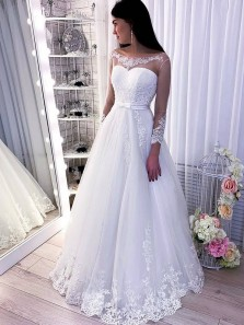 Gorgeous Ball Gown Scoop Neck Long Sleeves White Tulle Wedding Dresses with Appliques